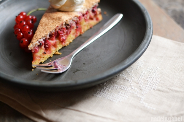 red currant cake 6
