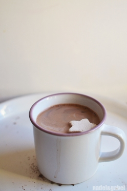 hot chocolate & marshmallow starlet