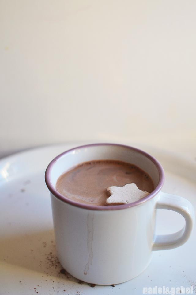 hot chocolate & marshmallow starlet
