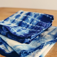 Indigo shibori dyeing ... and a tote, a clutch and a pouch