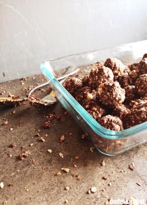 hazelnut cocoa energy balls 1