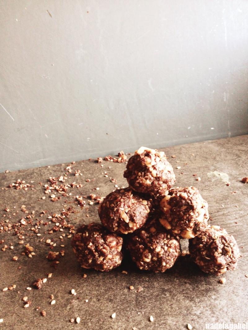 hazelnut cocoa energy balls 4