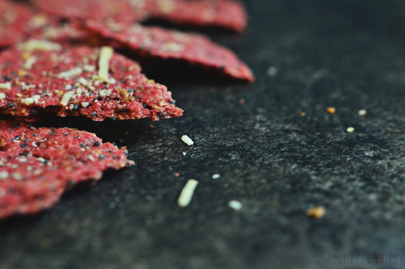 beetroot crackers 1