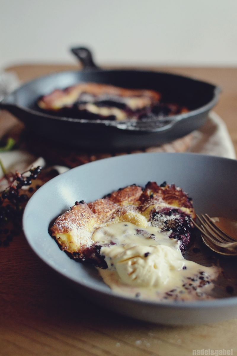 dutch baby with elderberries 4