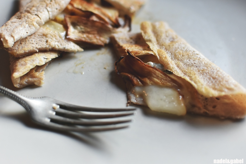 filled-buckwheat-crepe