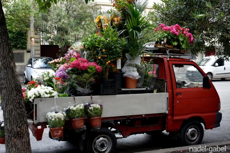 flower vendor Rome